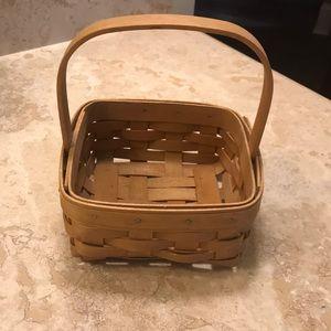 "Longaberger 2002 5"" x 5"" basket with handle"